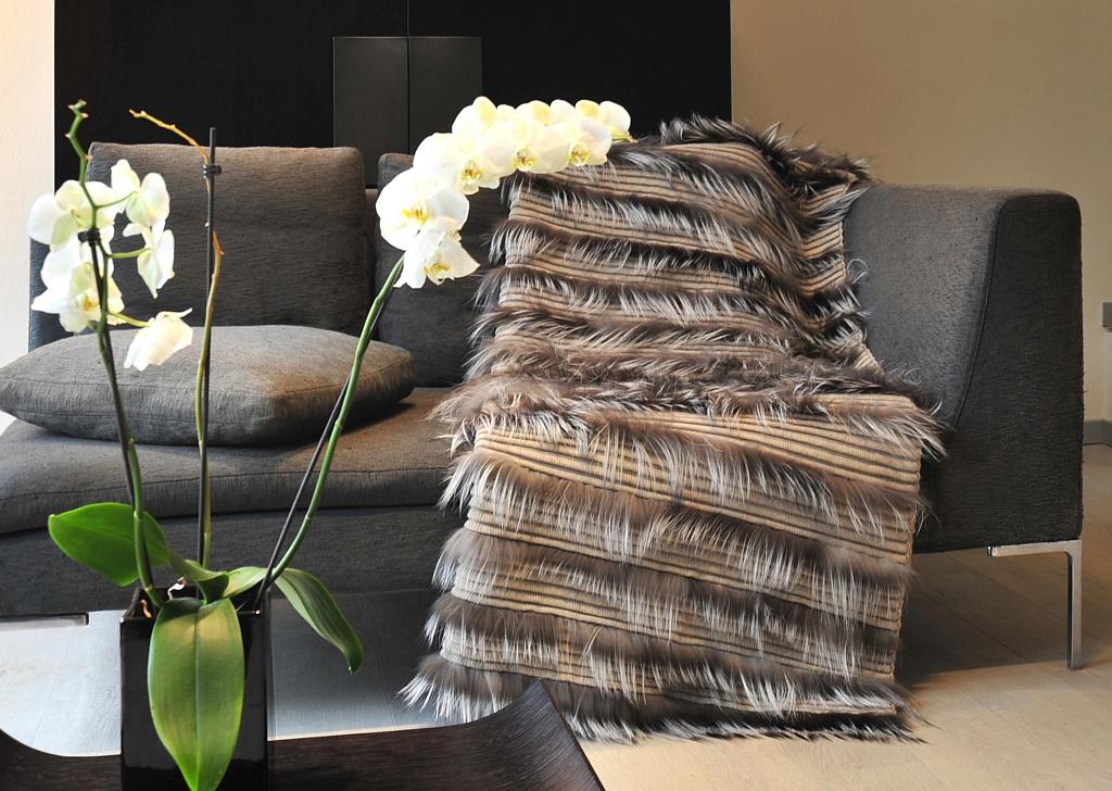 Claudia Barbari Accessoires - diese Accessoires und Plaids von Claudia Barbari erhältlich bei Decoris Interior Design Zürich Innenarchitektur und Inneneinrichtung am Zürichberg