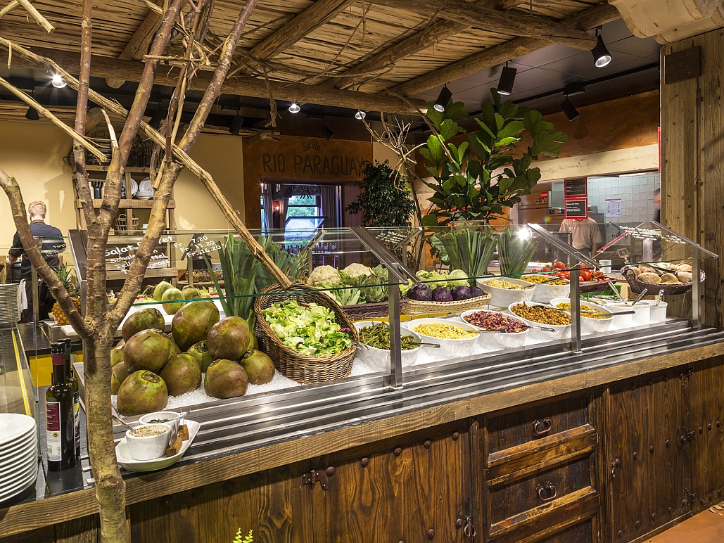 Zoo Restaurant Pantanal on restaurant interior design