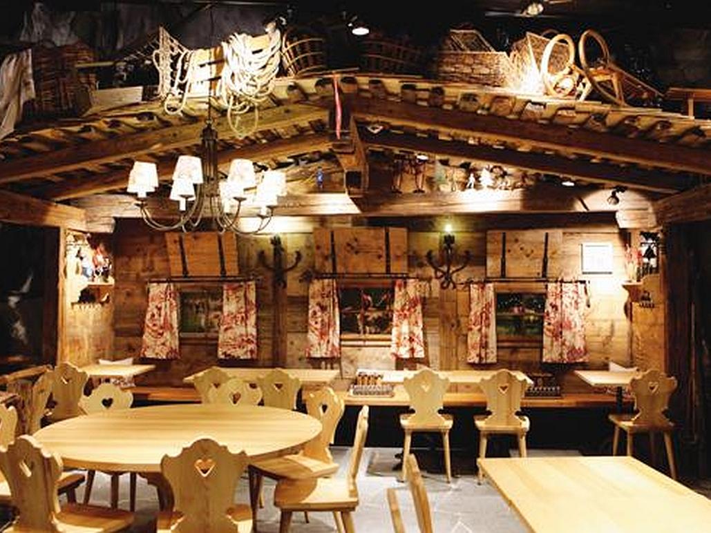 Decoris-Marché Restaurant-Singapore Somerset-Interior Design Zürich-Innenarchitektur und Inneneinrichtung am Zürichberg mit auf Sie persönlich zugeschnittenen Inneneinrichtungskonzepten. Ihre Experten für Innenarchitektur und Inneneinrichtung in Zürich