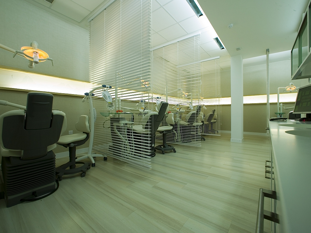 Swiss Smile London - Decoris Interior Design Zürich - Innenarchitektur und Inneneinrichtung am Zürichberg mit auf Sie persönlich zugeschnittenen Inneneinrichtungskonzepten. Ihre Experten für Innenarchitektur und Inneneinrichtung in Zürich