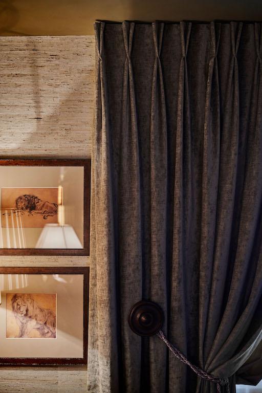 Komplette Neugestaltung einer Attika-Maisonette-Wohnung an der Krönleinstrasse am Zürichberg, hier das Ralph Lauren Zimmer - Innenarchitektur Zürich und Inneneinrichtung Zürich am Zürichberg mit auf Sie persönlich zugeschnittenen Inneneinrichtungskonzepten. Ihre Experten für Innenarchitektur in Zürich und Inneneinrichtung in Zürich