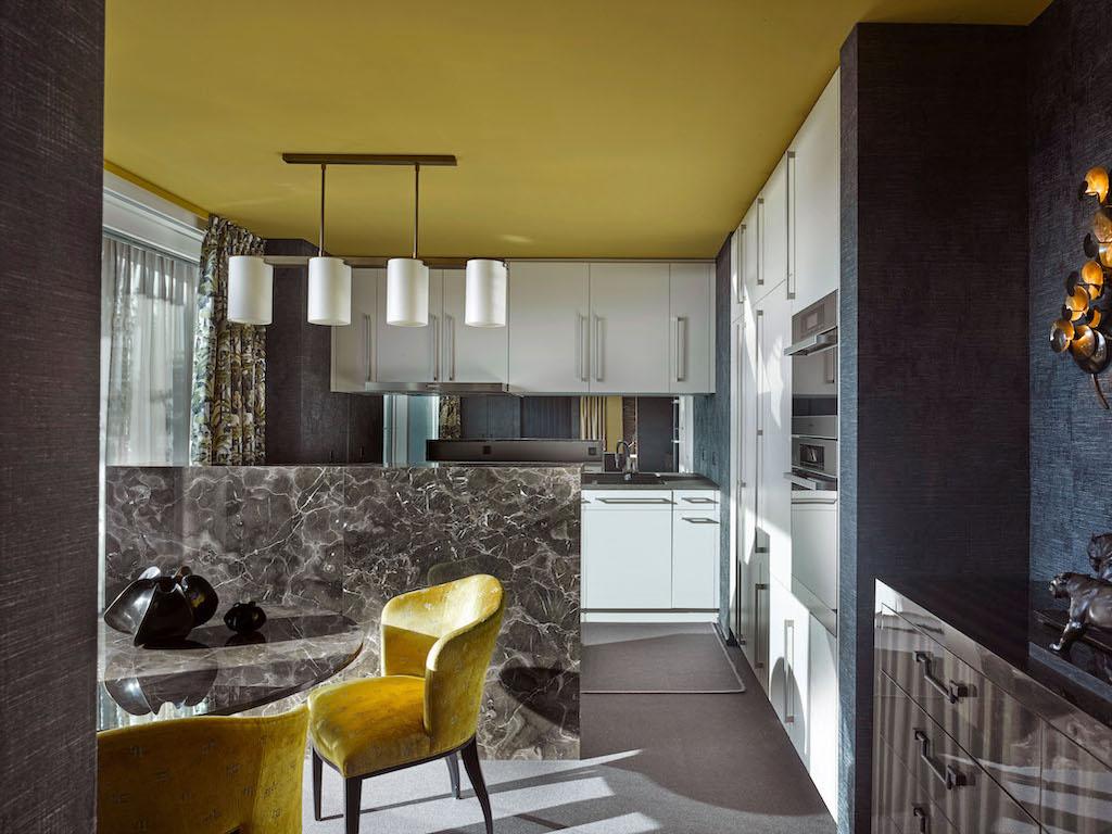 Komplette Neugestaltung einer Attika-Maisonette-Wohnung an der Krönleinstrasse am Zürichberg - Innenarchitektur Zürich und Inneneinrichtung Zürich am Zürichberg mit auf Sie persönlich zugeschnittenen Inneneinrichtungskonzepten. Ihre Experten für Innenarchitektur in Zürich und Inneneinrichtung in Zürich