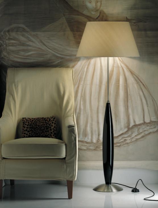 Fitz Leuchten - diese Stehlampe von Fitz Leuchten erhältlich bei Decoris Interior Design Zürich Inneneinrichtung und Innenarchitektur am Zürichberg