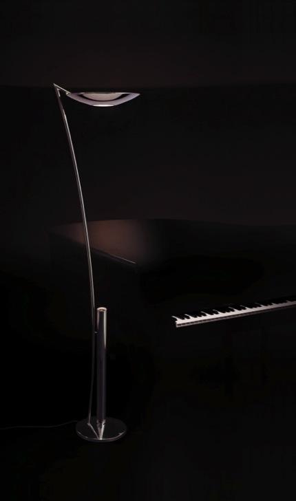 Florian Schulz Beleuchtung - diese Stehlampe erhältlich bei Decoris Interior Design Zürich Innenarchitektur und Inneneinrichtung am Zürichberg