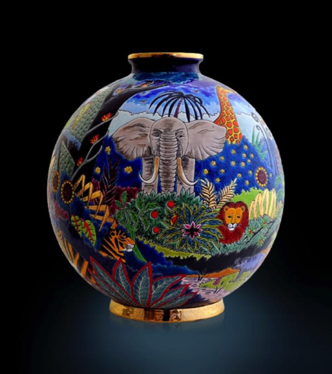 Longwy Kugel Vasen - diese Kugel Vase von Longwy erhältlich bei Decoris Interior Design Zürich Innenarchitektur und Inneneinrichtung am Zürichberg