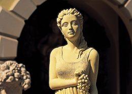 Steinfiguren - Stonestatues Gartendecor - diese Steinfiguren - Stonestatues Gartendecor erhältlich bei Decoris Interior Design Zürich Innenarchitektur Zürich und Inneneinrichtung Zürich am Zürichberg
