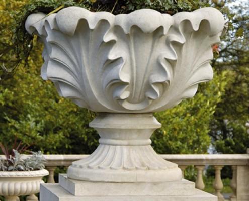 Steinvasen - Stonevases Gartendecor - diese Steinvasen - Stonevases Gartendecor erhältlich bei Decoris Interior Design Zürich Innenarchitektur und Inneneinrichtung am Zürichberg